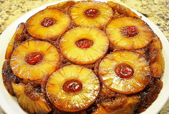карамелизованный пирог с ананасами