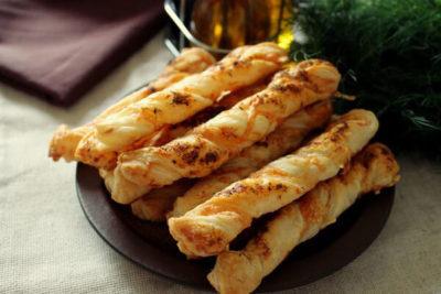 приготовление сырных палочек в духовке