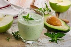 полезный коктейль с авокадо