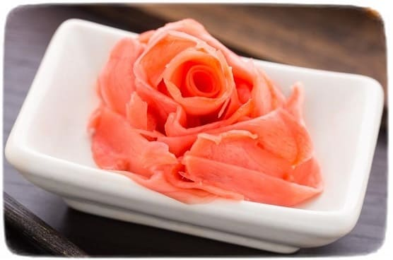 маринованный розовый имбирь