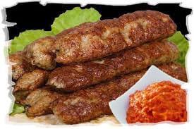 колбаски чевапчичи с соусом айвар
