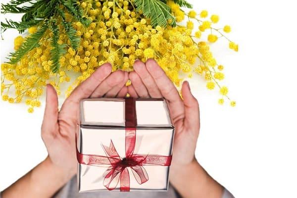 идеи женских подарков на 8 марта