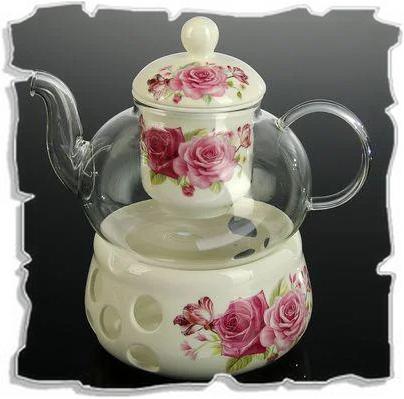 красивый заварочный чайник со свечой