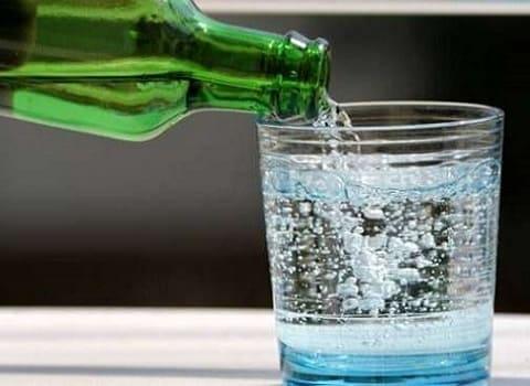 минеральная вода для укрепления ногтей