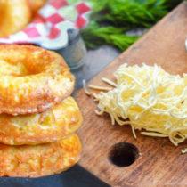приготовление сырных пончиков