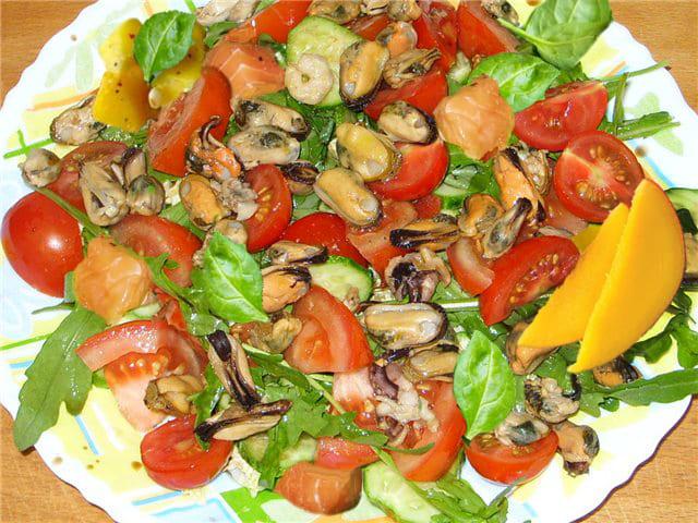 салат с мидиями на праздничный стол