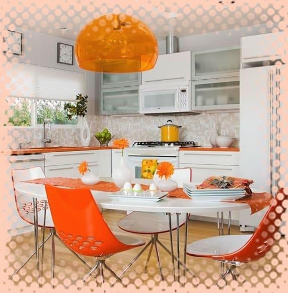 яркие кухонные стулья, кухня с цветными стульями