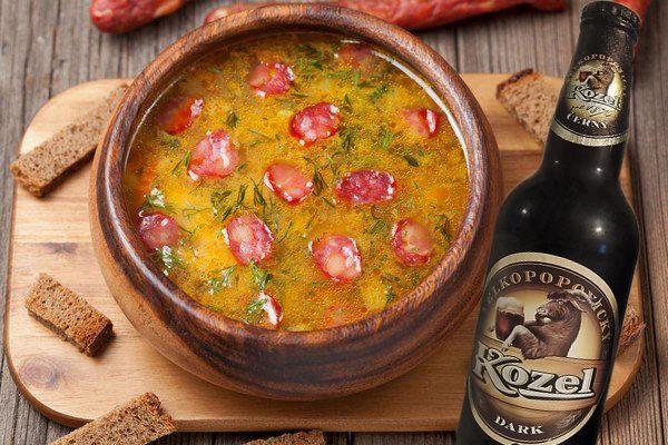 острый суп на пиве, суп с колбасками