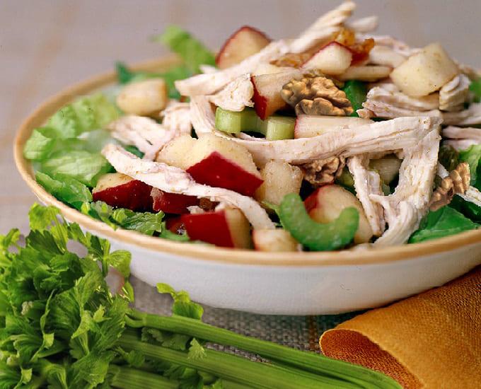 низкокалорийный салат с индейкой