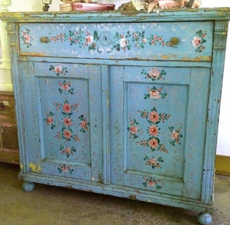 шкафчик, декорированный декупажем