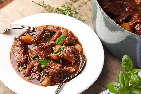 сочная тушеная говядина, рецепты тушеной говядины