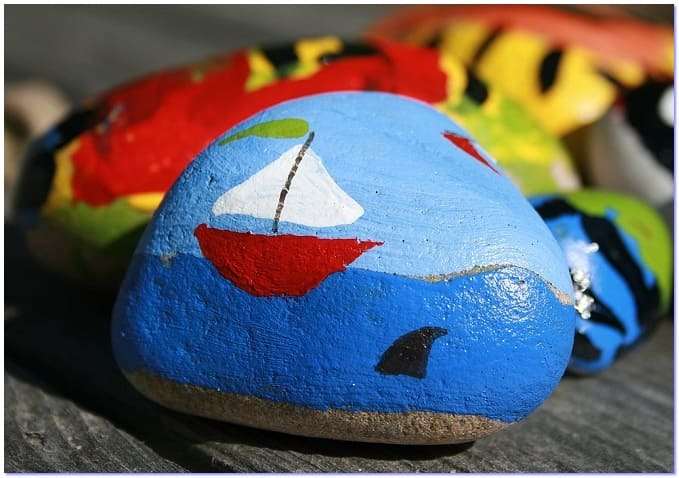 красивая роспись камня
