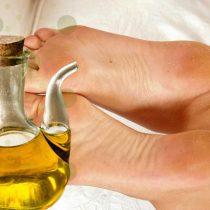 масло для смягчения огрубевших пяток