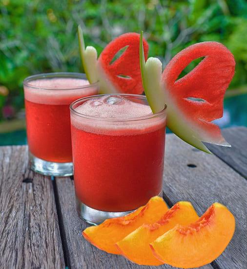 арбузный коктейль с персиком